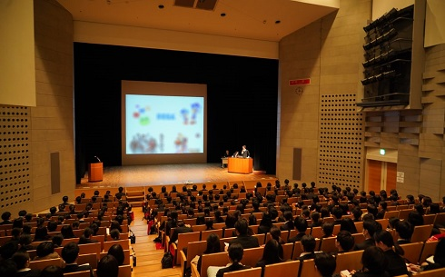広告業界の就活フェス開催! 企業10社、学生1400人が参加─マスナビ